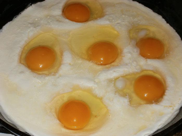 Яйца в сметане Украинская кухня
