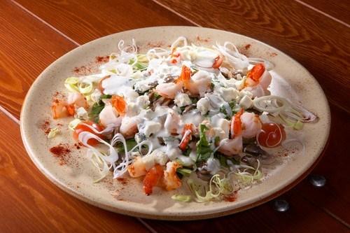 Японский салат из крабов с овощами Японская кухня