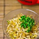 Жареные ростки фасоли Японская кухня