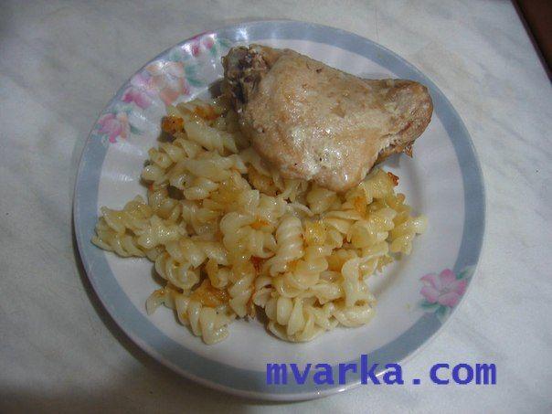 Белке (макаронные изделия с бульоном и сметаной)