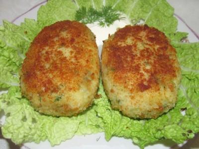 Блюдо из картофеля грибов и капусты