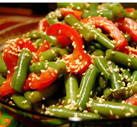 Фасоль, консервированная с овощами по-болгарски