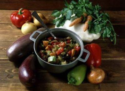Гивеч ку легуме (рагу овощное с фасолью и горохом)
