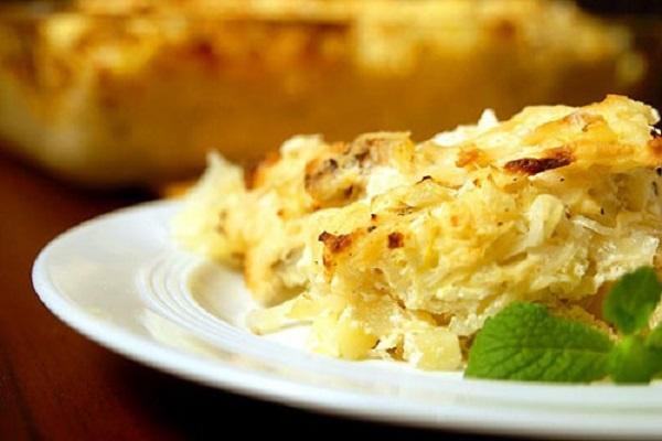 Картофельная запеканка с сельдереем и зубаткой