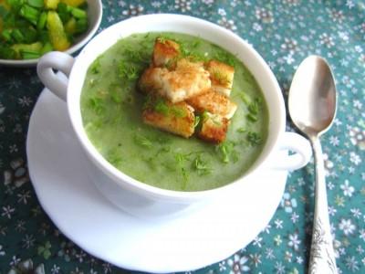 Картофельный суп-пюре с луком-пореем и чесноком