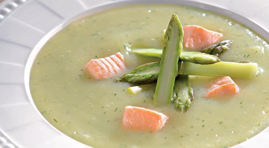 Картофельный суп-пюре со спаржей