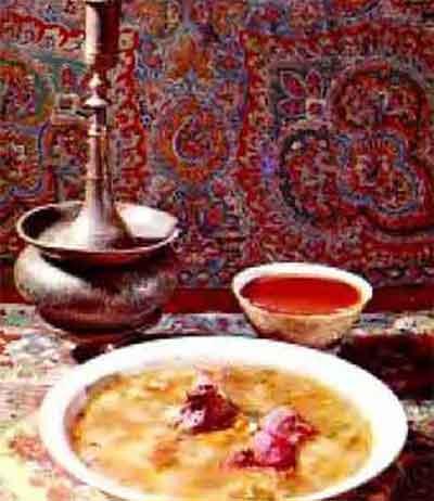 Каурмо шурбон (мясной суп)
