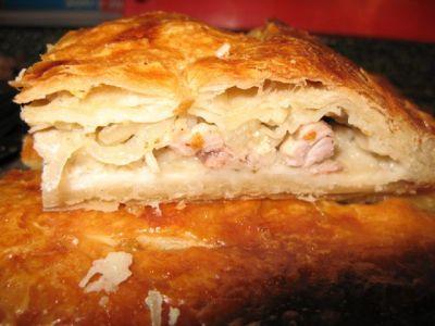 Курник (слоеный пирог)