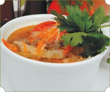 Кюфта-шурпа (суп с горохом, овощами и мясными сардельками)
