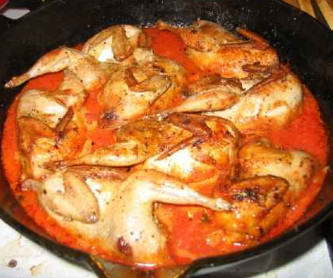 Перепела с томатным соусом