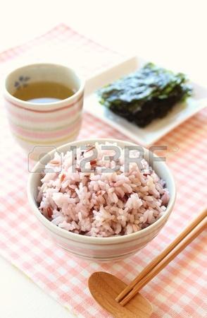 Рис с зеленым чаем и водорослями