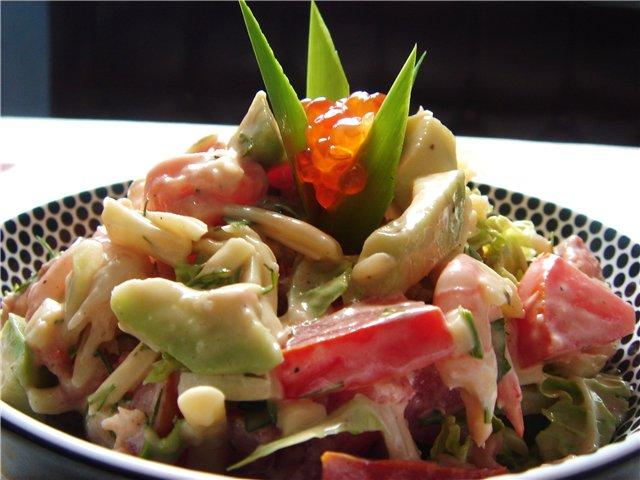 Салат из белуги и свежих овощей