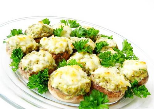 Салат из белуги с рисом и шампиньонами