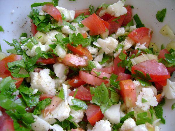 Салат из кальмаров с капустой и тофу