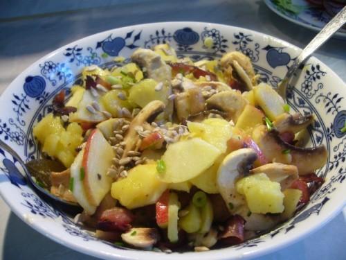 Салат из картофеля с шампиньонами