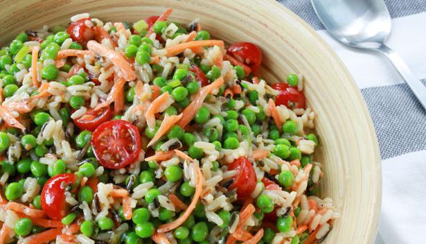Салат из креветок и зеленого горошка