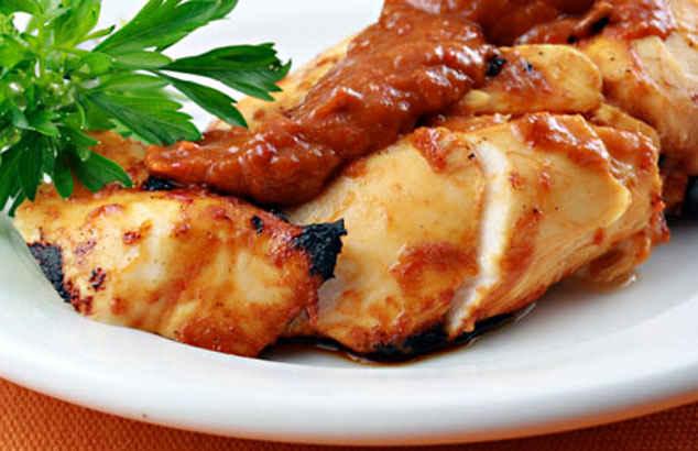 Салат из куриных грудок под маринадом