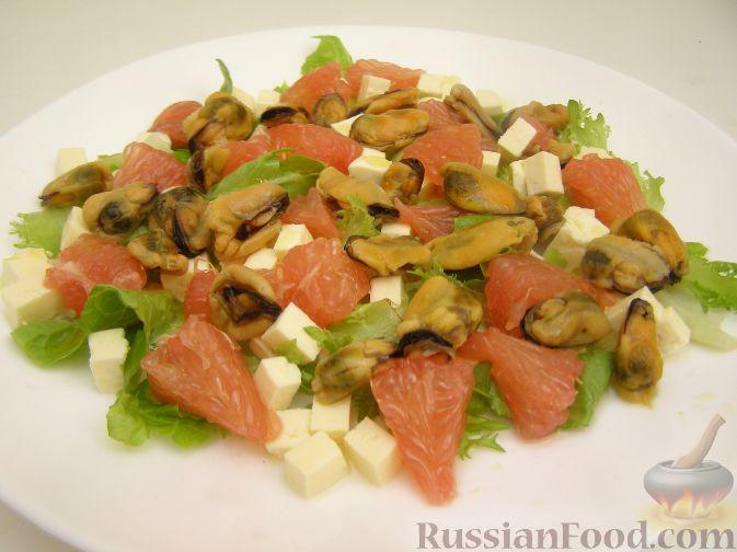 Салат из мидий с яблоками и сливками