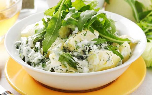 Салат из молодого картофеля с зеленью