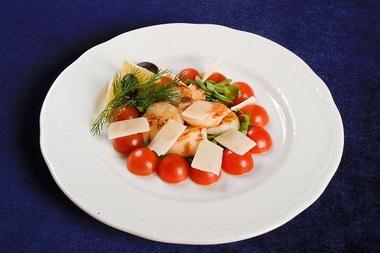 Салат из морского гребешка и яиц