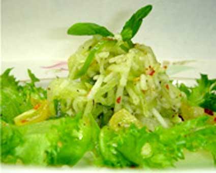 Салат из огурцов с соусом амадзу