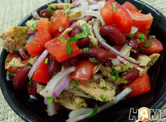 Салат из тунца с красной фасолью