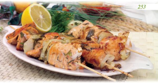 Шашлык из рыбы с кизиловым соусом