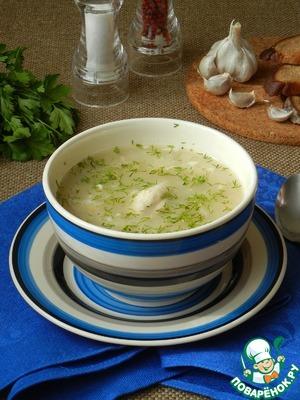 Суп из курицы с горохом и чесноком