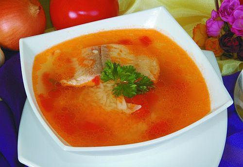 Суп из морского языка с рисом и помидорами