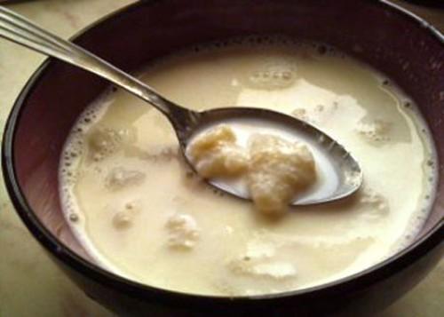 Суп молочный с ячменными галушками