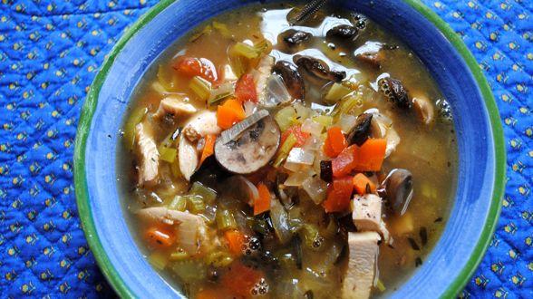 Суп с индейкой и грибами