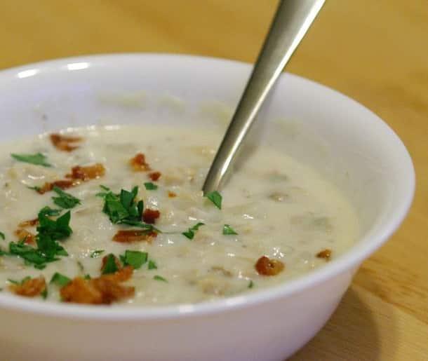 Суп с моллюсками и зеленым луком