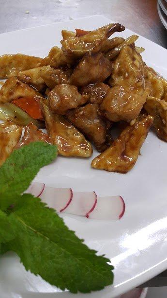 Тушеные грибы с морковью и ростками бамбука