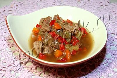 Тушеные овощи с острым соусом