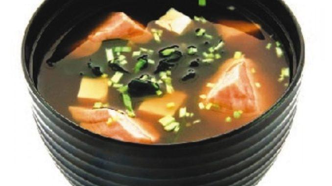 Японский суп «Кани Дзосуй» из копченой рыбы