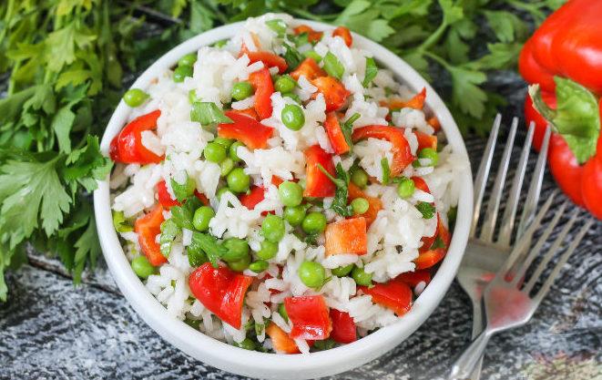 Рисовый салат с болгарским перцем
