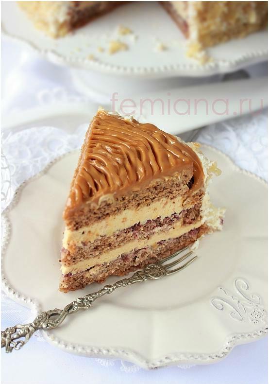 Бисквитный торт с ореховым кремом