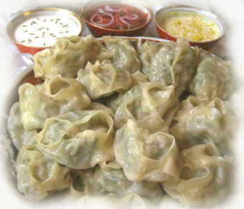 Манты с начинкой из джусая по-киргизски