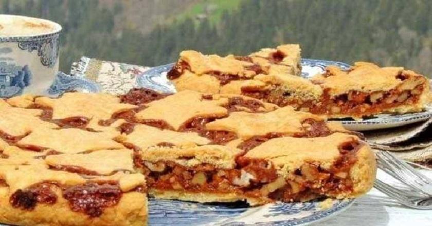 Картофельный пирог с грецкими орехами