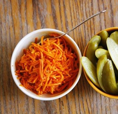 Салат из моркови с имбирем