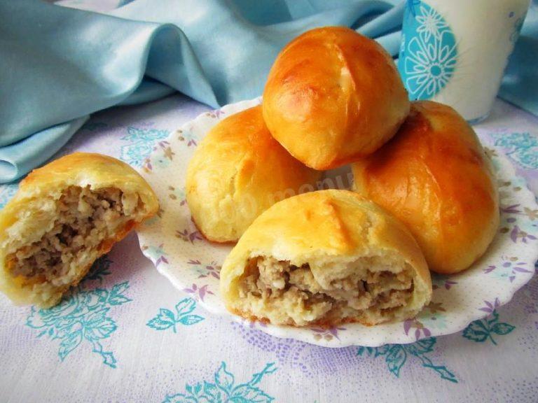 Пирожки с говядиной и луком