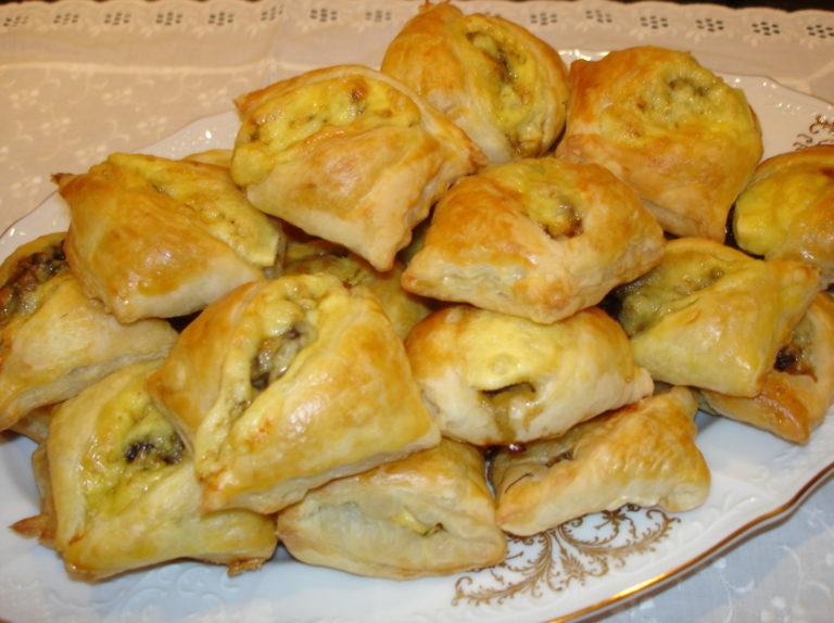 Пирожки с грибами из бездрожжевого теста