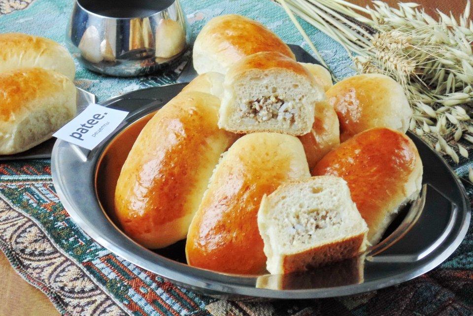 Пирожки с отварным мясом и рисом