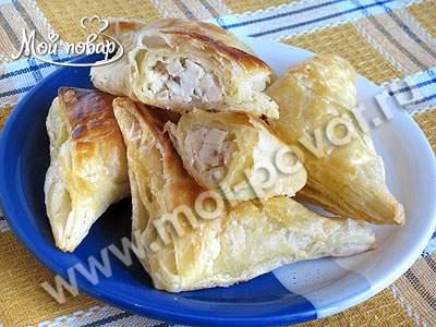 Пирожки слоеные с курицей