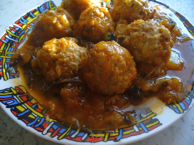 Фрикадельки в томатно-грибном соусе