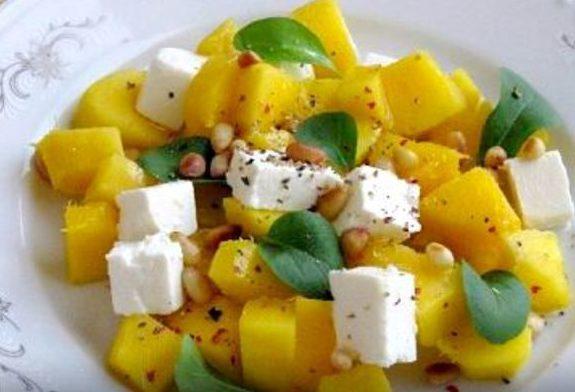 Салат из манго с сыром фета