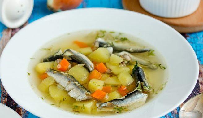 Суп из салаки с картофелем и специями
